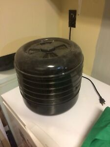 Electric dehydrator