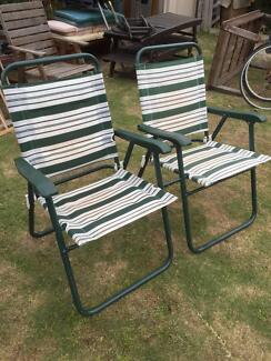 2 Green Metal Folding Garden Chairs