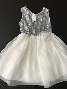 NWT dress from Children's place size small 5/6
