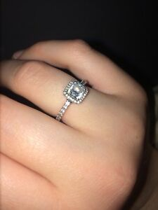 PANDORA RING PERFECT CONDITION !!