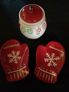 Mittens candy dishes and cookie jar