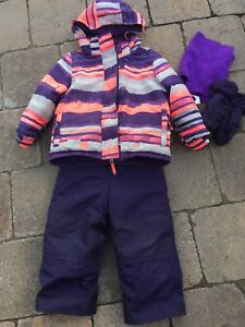 Habit de neige pour fille (Clement) grandeur 2 ans