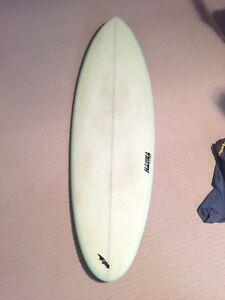 Hauna 6'2 surfboard
