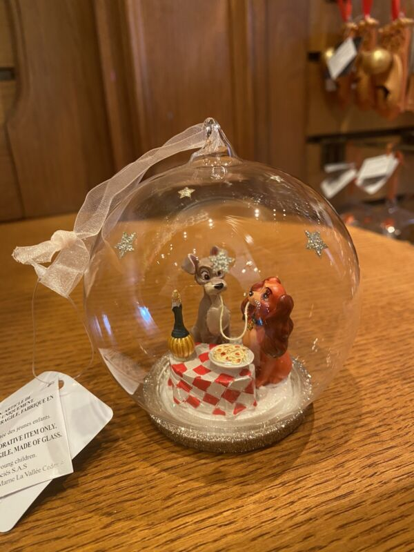 ORNAMENT BAUBLE THE LADY AND THE TRAMP  DISNEYLAND PARIS DISNEY NEW