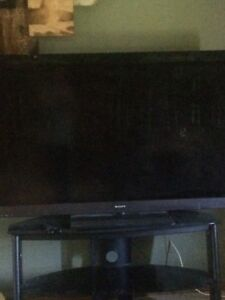 Broken 60 inch tv and a broken 42 inch selling both for 40$