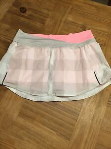 Lululemon size 8 Brand New Skirt