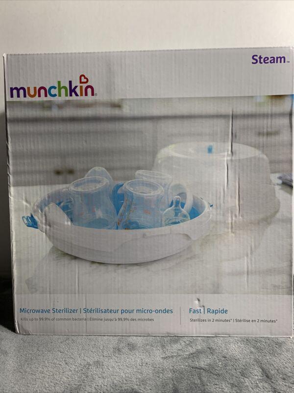 Munchkin 11065 Steam Guard Microwave Sterilizer