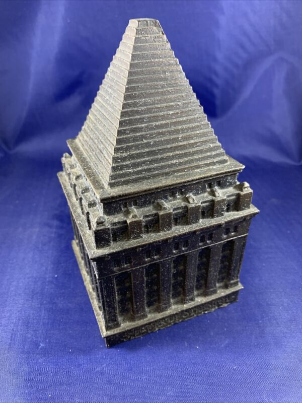 Vintage Banthrico NYC Bankers Trust Company Metal Coin Bank Souvenir Building