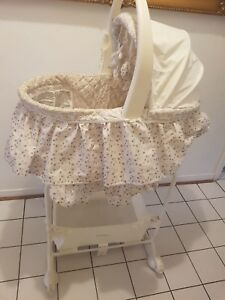 Baby bassinet with stand
