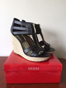 GUESS WEDGES, size 8.5