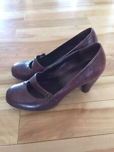 Clarks Women's Leather shoes 8.5