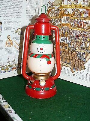 VINTAGE BATTERY OPERATED SNOWMAN LIGHTED PLASTIC LANTERN CHRISTMAS TOY LAMP