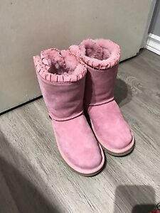 Pink UGG (Authentic) Bailey Bow Ruffle Size 6