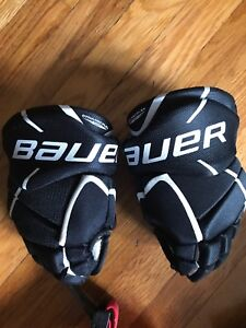 "Bauer jr 10"" gloves"