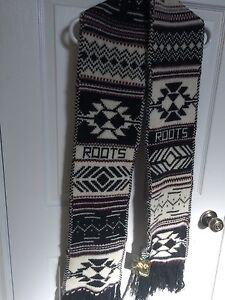 BRAND NEW ROOTS scarf