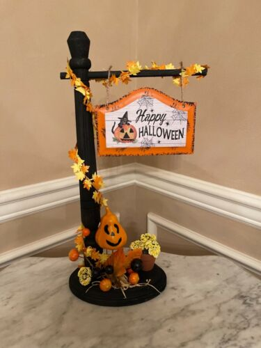 HAPPY HALLOWEEN SIGNPOST ACCESSORY FOR BYERS CHOICE ~ Nice w/carolers