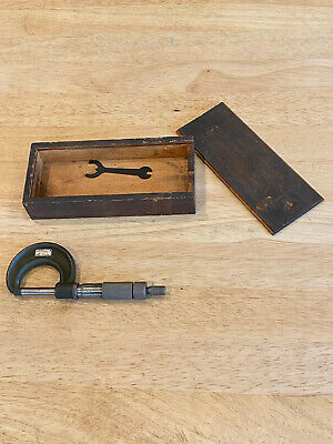 Vintage Lufkin 1941 0-1 Outside Micrometer With Original Box.