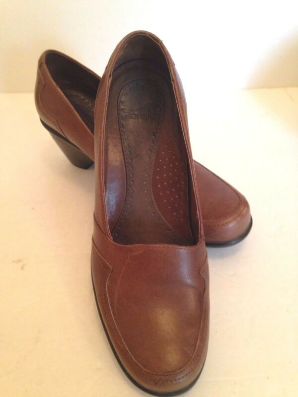 Dansko Womens Shoes  US Size 7 1/2 --EUR 38 Classic Pumps Wedge Heels Portugal