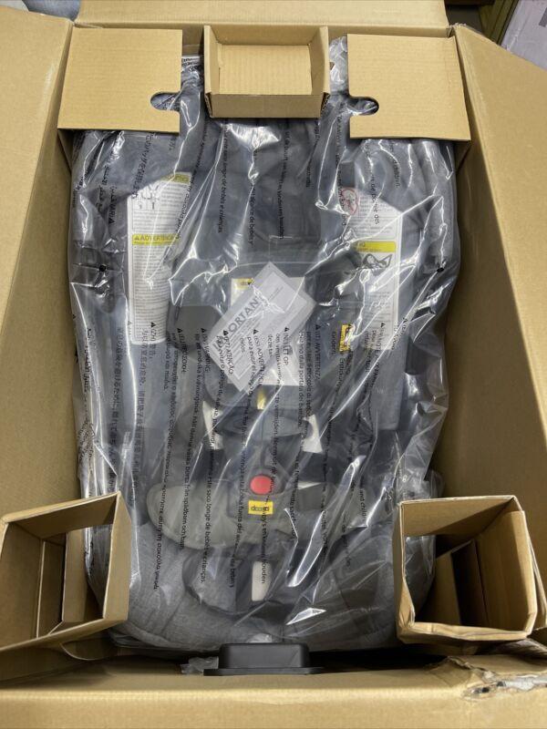 Doona Infant Car Seat with Base - Nitro/Black - SP101-10-033-003 - New (J)