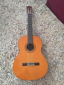YAMAHA C-40 Guitar in Excellent condition Hallett Cove Marion Area Preview