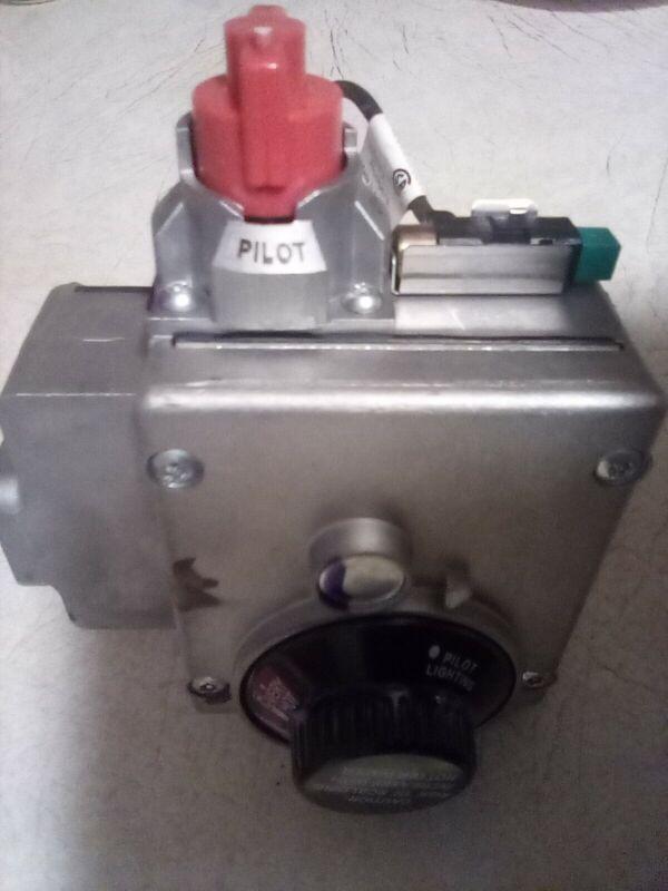 "Rheem SP14269E - LP Gas Control (Thermostat), 1/2"""