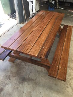 Reclaimed messmate picnic table (Aussie hardwood)