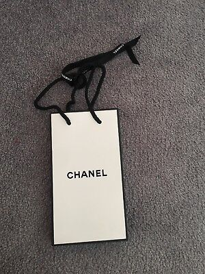 """Chanel Small Paper Gift Bag 4""""x7"""" for sale  London"""