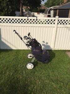 Ensemble droitier Wilson Pro - bâtons de golf, sac et chariot.