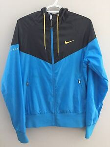 Men's Nike Livestrong Jacket (Size Small)