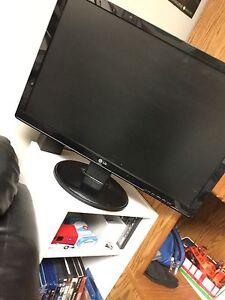 """LG 22""""  LCD Computer Monitor"""