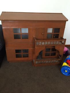 Dolls house hand made Old Toongabbie Parramatta Area Preview