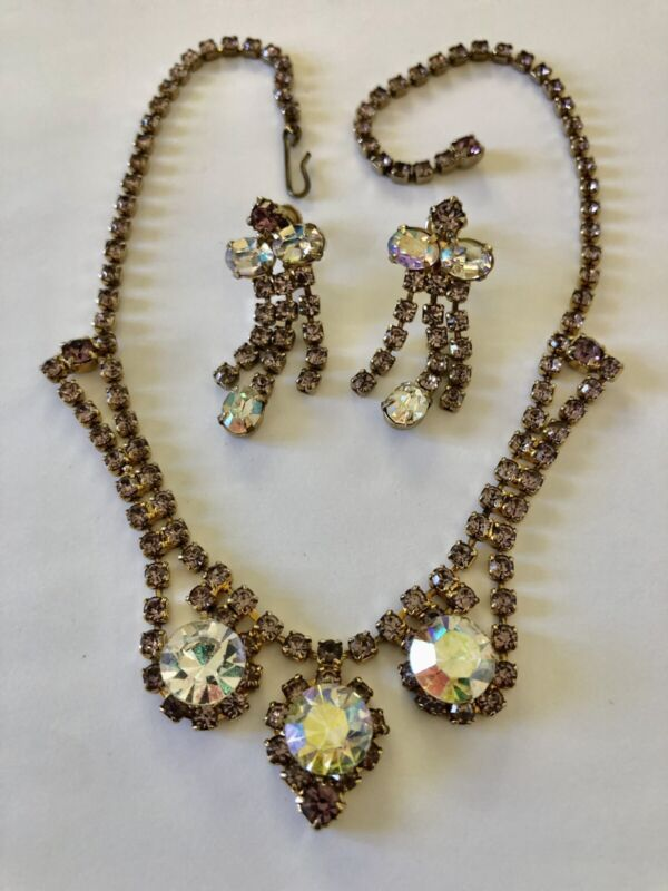 Vintage Unsigned Weiss Lilac Purple AB Rhinestone Necklace Earrings