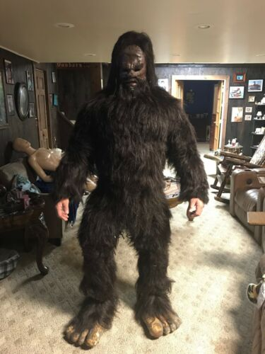 BIGFOOT MOVIE OUTFIT--USED IN ONE FILM- REALISTIC