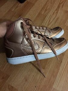 Nike women's shoes for sale or trade