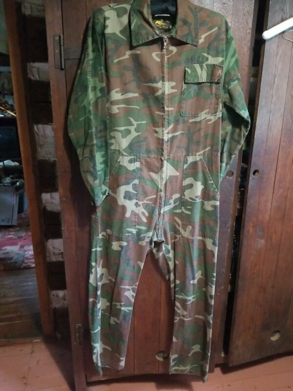 VINTAGE KMART CAMOUFLAGE COVERALLS MEDIUM PREOWNED