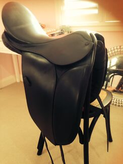 Beautiful Ian Lancaster black 16 inch show saddle Dalby Dalby Area Preview