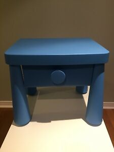 Table de chevet bleu Ikea