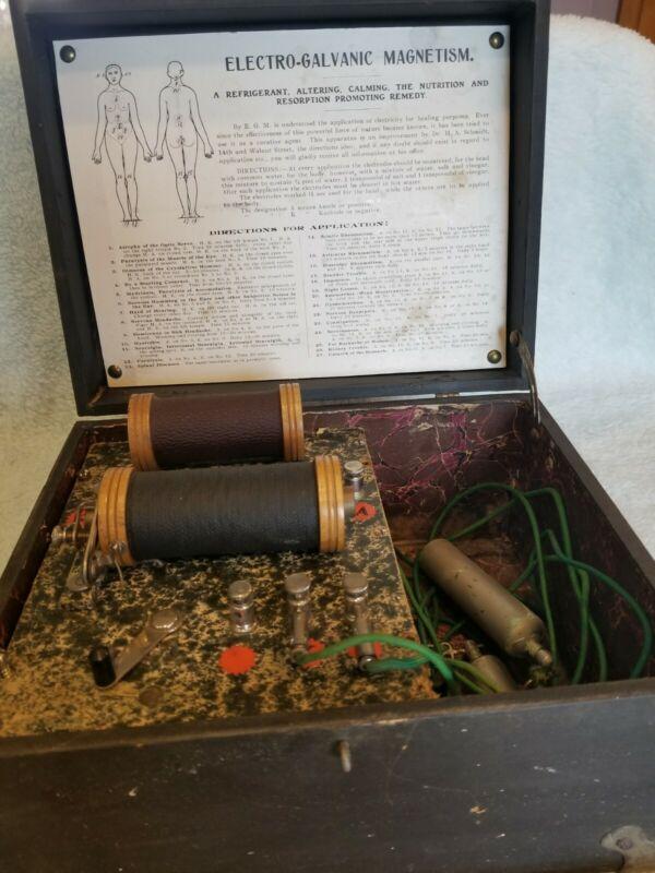 ANTIQUE ELECTRO-GALVANIC MAGNETISM MACHINE FOR THERAPY - QUACK MEDICINE