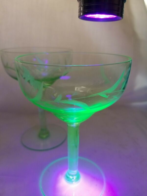 4 Green Coupe Uranium Wine/Cocktail Glasses