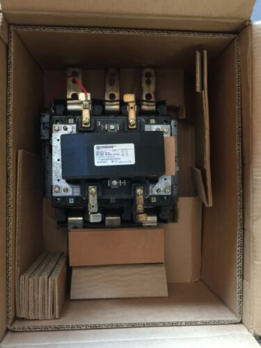 GE CR305HH0 NEMA SIZE 6 600V AC 600A OPEN-540 MAGNETIC CONTACTOR 460-480V COIL
