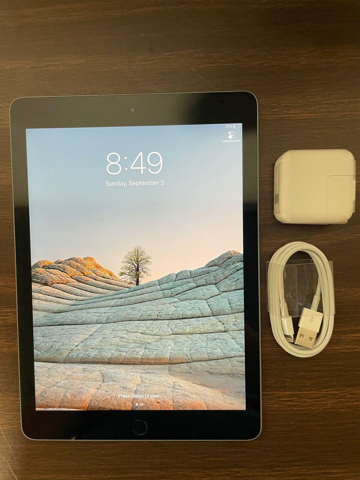 Apple iPad  128GB, Wi-Fi, 9.7in - Space Gray