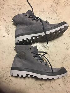 Brand new never used Palladium Boots for 80 Dollars  size 7  West Island Greater Montréal image 3