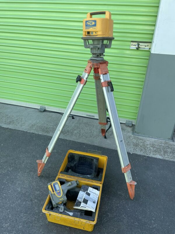 TESTED WORKING - SPECTRA PRECISION LASER LEVEL LL500 + HR550 RECEIVER + TRIPOD