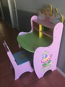 Girls princess desk Seven Hills Brisbane South East Preview