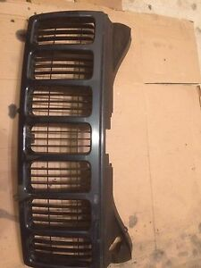 2007 Jeep Grand Cherokee Front Grill For Sale!