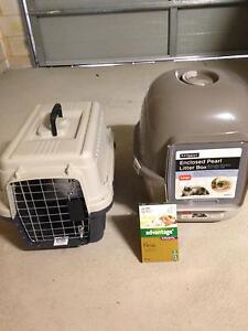 PET CARRIER / ENCL LITTER BOX . Bedford Bayswater Area Preview