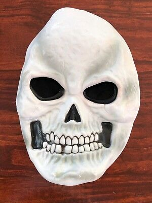 Halloween white skull face mask - pre-owned, good condition