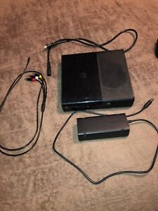 Xbox 360 E With 3 Controllers + 6 Games + Headset