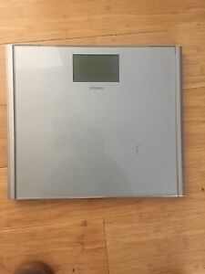 Propert 180kg Nova Slimline Glass Digital Bathroom Scale Black Rock Bayside Area Preview
