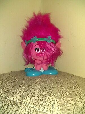 Trolls Just Play Poppy Styling Station Troll Toy Standable Doll Hair Style